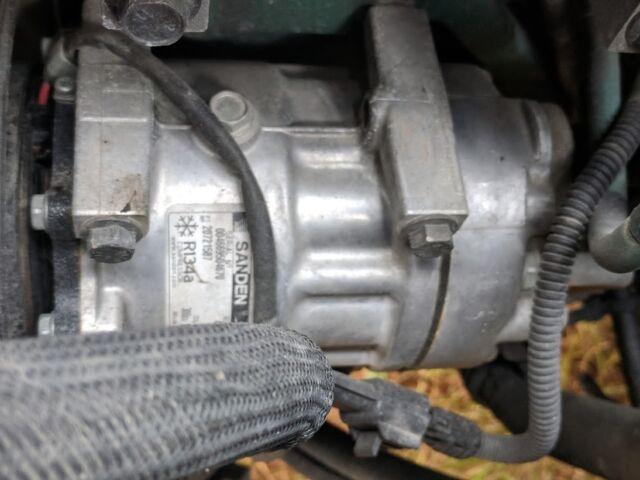 VOLVO D13 Sanden U 4326 AC Compressor 20721587 R134a
