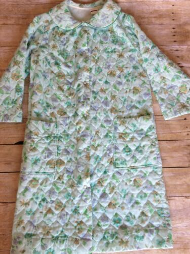 Montgomery Ward Vintage Quilted Bathrobe Green Flo
