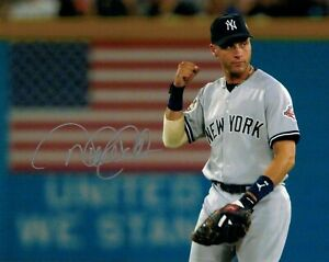 Derek-Jeter-Autographed-Signed-8x10-Photo-HOF-Yankees-REPRINT