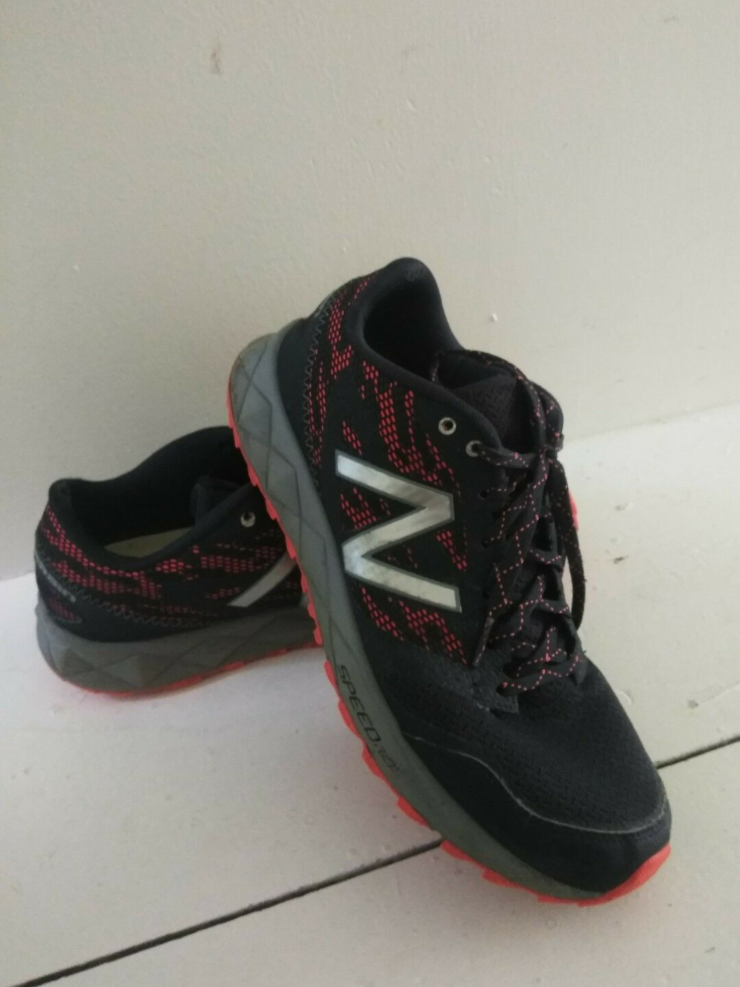 Mens New Balance 590 AT Trail Running Sneakers shoes - 9