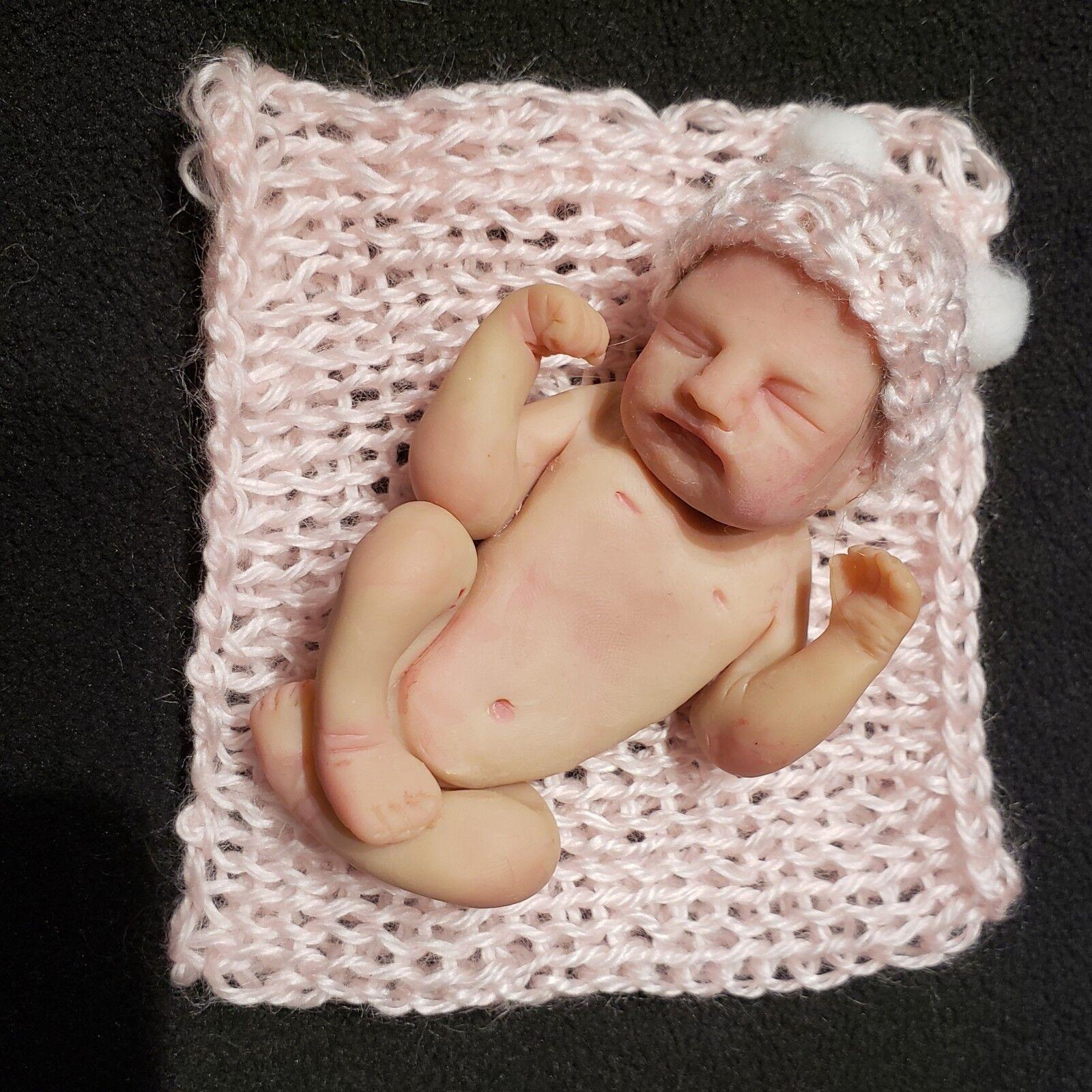 Miniatura de OOAK Escultura de Arcilla Polimérica Baby Girl  Presley  por Melissa McEleney