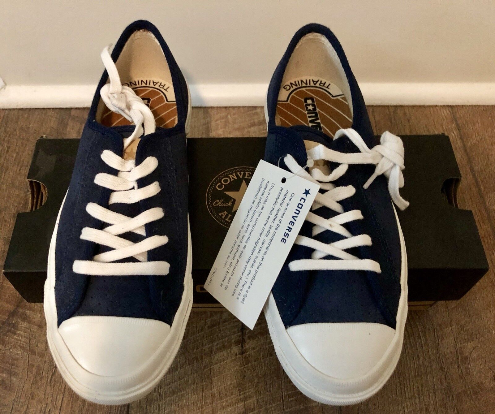 ALL STAR Converse Navy bluee Suede Sz 6M
