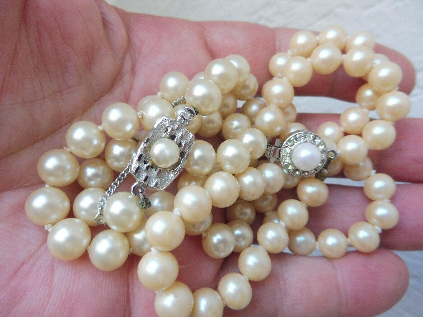 2 schöne, alte Perlenketten __mit schönen Schliessen__
