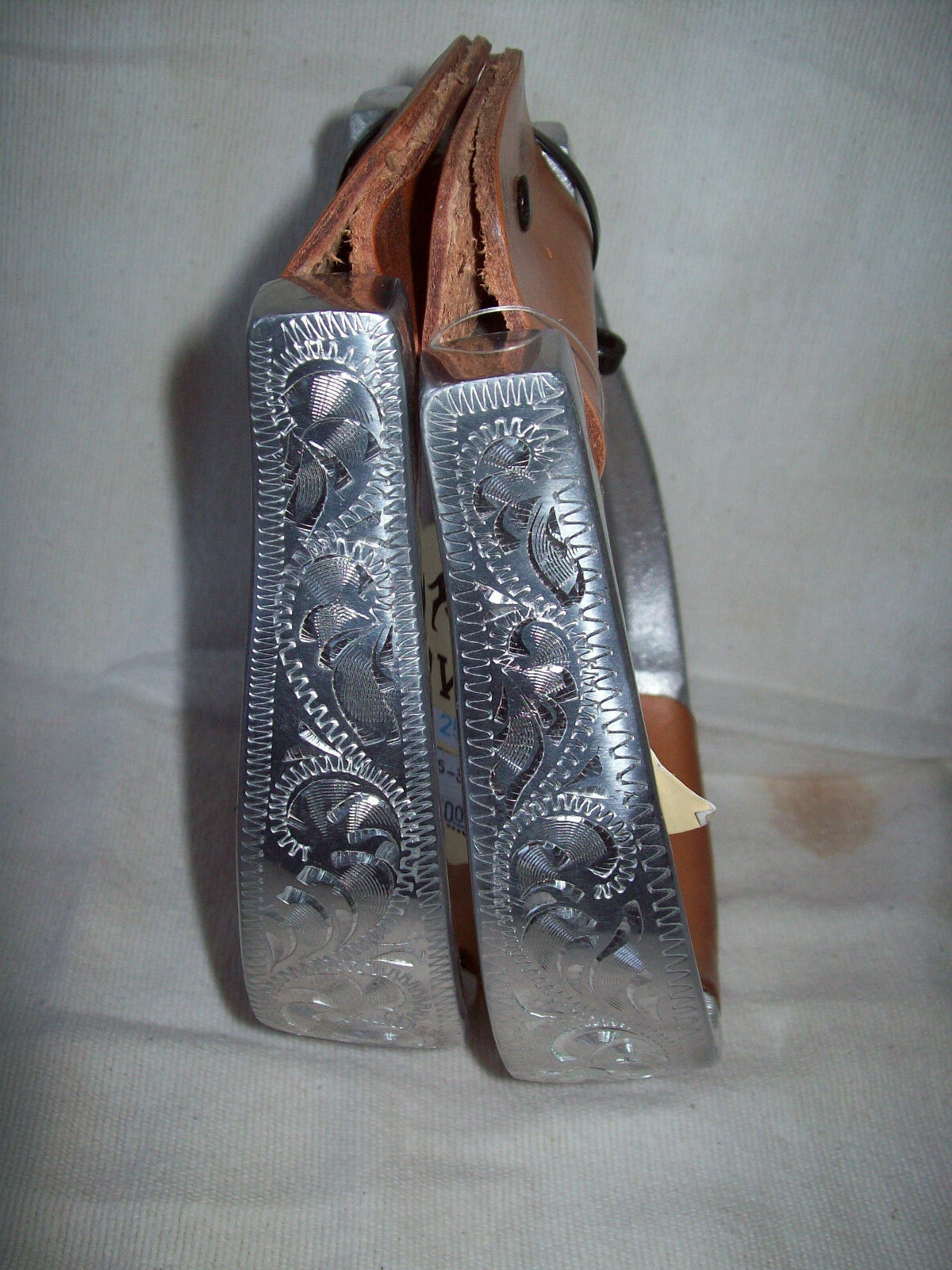 Show Stirrups Engraved Aluminum Ox bow  leather tread