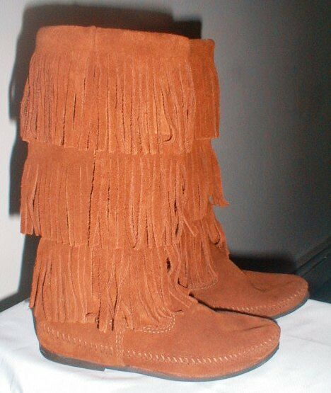 MINNETONKA TRIPLE LAYER FRINGED MID CALF SUEDE LEATHER MOCCASIN BOOTS SIZE 7.5 B