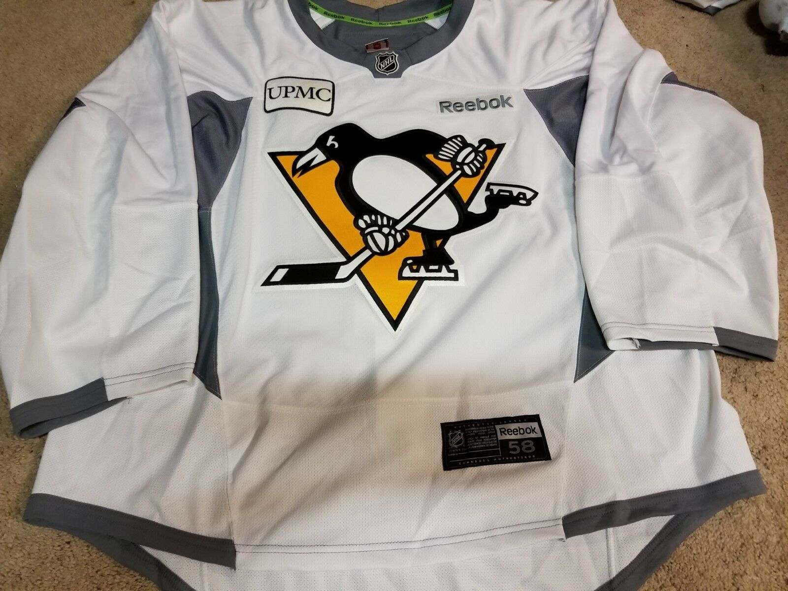 PITTSBURGH PENGUINS Goalie NEW White Yellow Game Issued Practice Pro Jersey 58