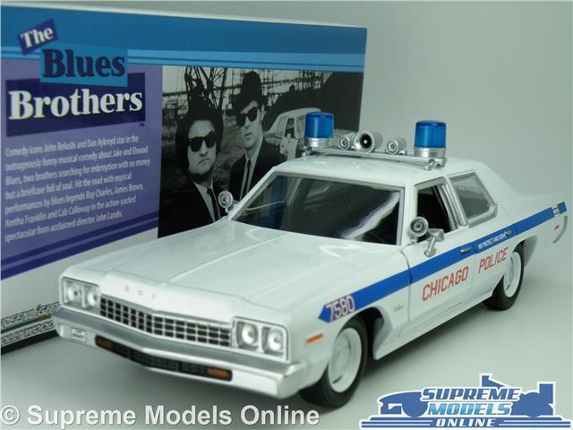THE bluS BrossoHERS DODGE MONACO POLICE CAR MODEL 1 24 Dimensione LARGE verdeLIGHT T3