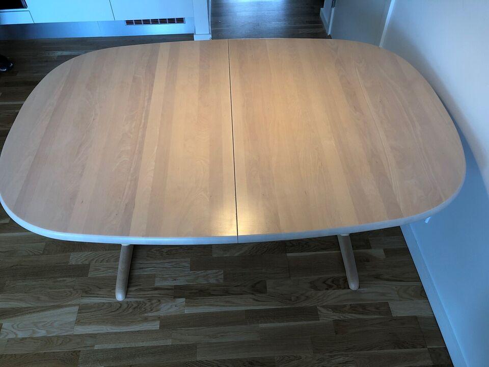 Spisebord, Lakeret træ