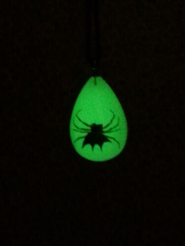 REAL Spider Pendant Necklace Spiny Backed Orbweaver Glows in the Dark!