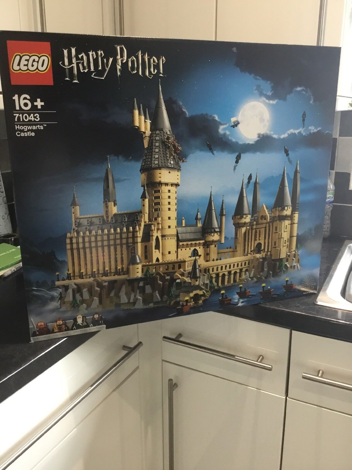 NEW LEGO HARRY POTTER HOGWARTS CASTLE 71043 sealed box