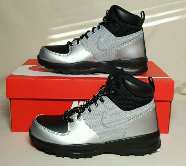 the best attitude e60fd 2a5e8 NIKE YOUTH MANOA LTH (GS) METALLIC SILVER BLACK NEW BOX MULTIPLE SIZE