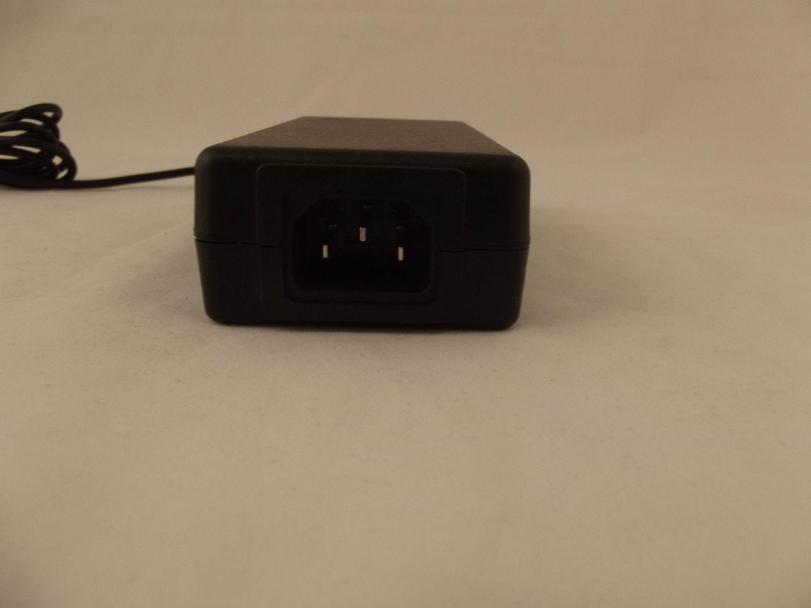 I-MAG SES49-120400-7 E90 Workstation LCD AC Adapter 12V 4A 23-3