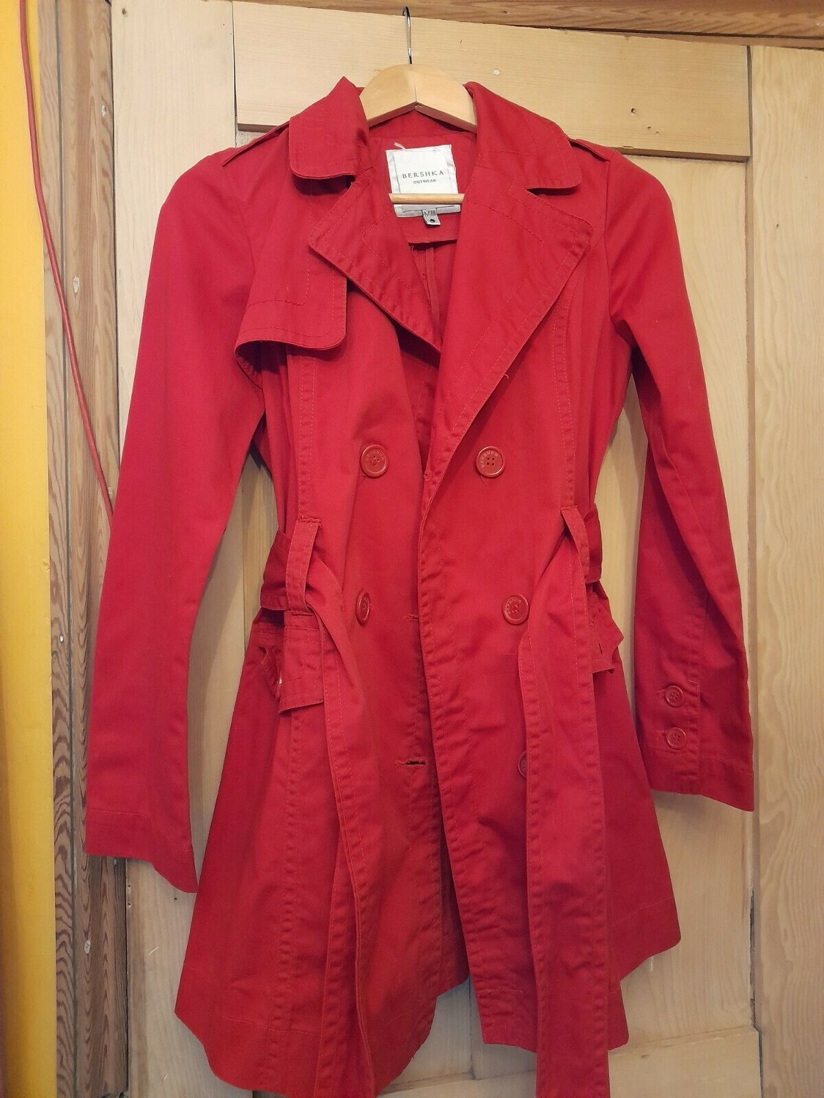 Red trenchcoat mod
