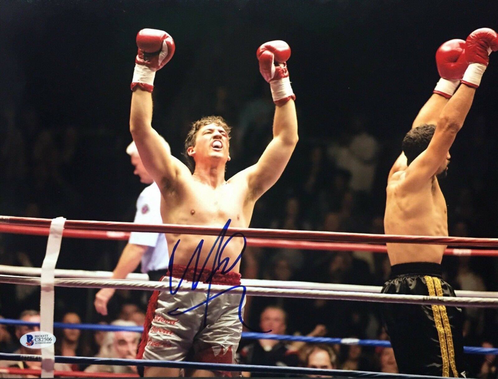 Miles Teller Signed Signed 11x14 Boxing Photo BAS Beckett C82506