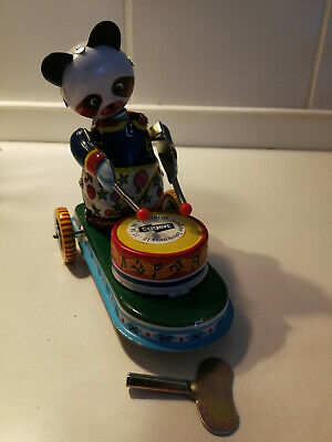 Blechspielzeug - Trommelnder Panda