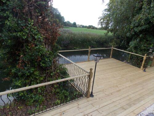 Wavy or Straight Black Metal Decking Panels Steel Garden Fence Spindle Railings