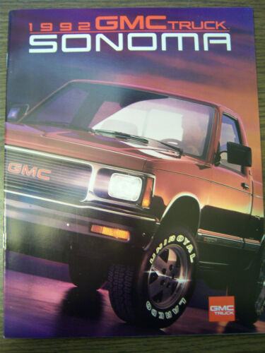 MINT 1992 GMC TRUCK SONOMA 21 PAGE SALES BROCHURE NEW 231