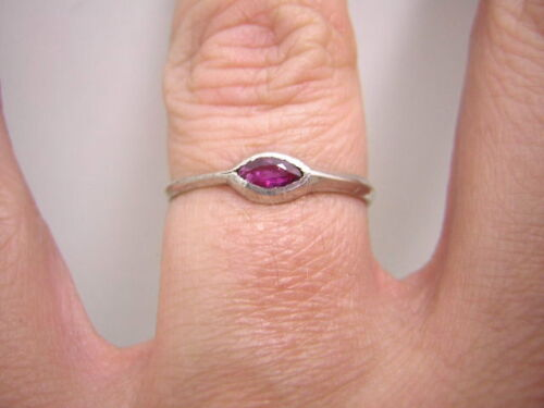 Rubin solitario anillo en 925 Sterling plata Navette rubin g:56-15 Super n61