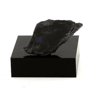 Chert-14-7-cts-Grenville-Quebec-Canada