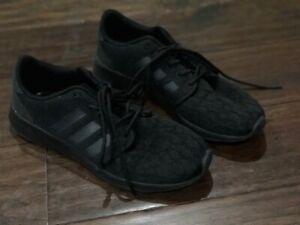 adidas cloudfoam all black