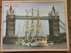 MB-Voyage-3962-Tower-Bridge-1000-Piece-Jigsaw-Puzzle-Hobby