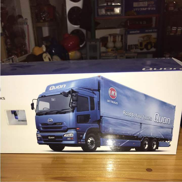 UD Trucks Quon 1 43 Minicar rare from JAPAN Free shipping