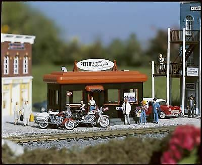 PIKO G SCALE PETERS MOTORCYCLE SHOP   BN   62259