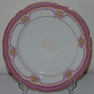 Le-Rosey-Assiette-en-porcelaine-de-Paris-decor-frise-rose-rehaus-d-039-or-XIXe-s