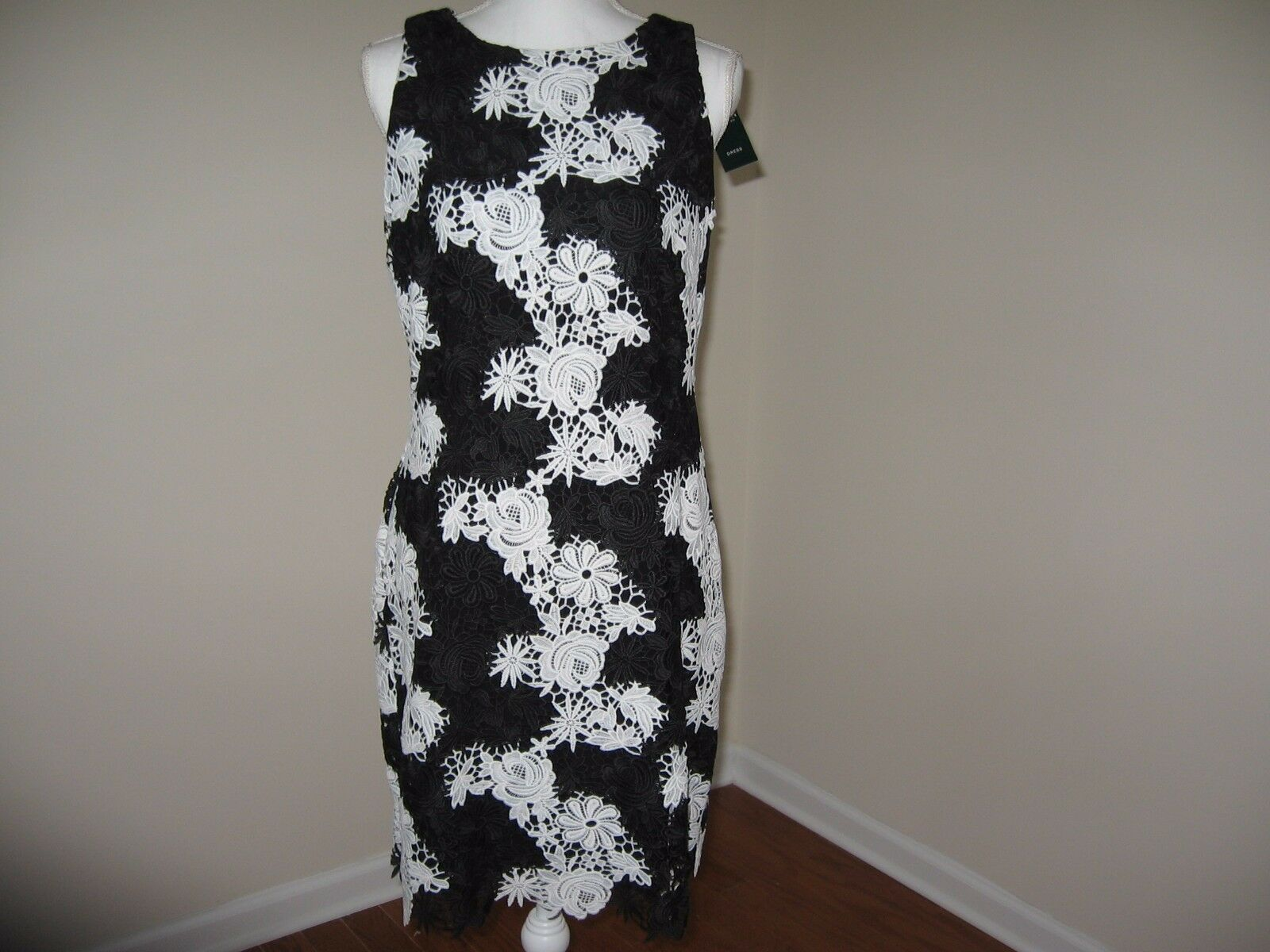 Lauren Ralph Lauren Lace Sheath Dress for Woman SIZE 4 6  NWT MSRP  190