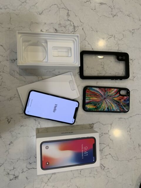 Apple iPhone X - 64GB - Space Gray (U.S. Cellular) A1865 (CDMA + GSM)