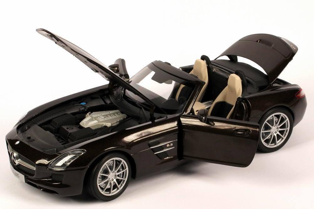 Minichamps Mercedes Benz SLS AMG Roadster Sepang Brown 1 18 Dealer Edition Rare