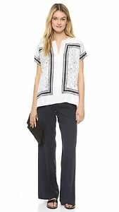 ef9f88ec2ec9a NWT Vince Scarf Print Silk Top Blouse Off White Size XS  275