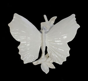 9959417-Porcelain-Figurine-Ens-Butterfly-White-17-x-15-x-8-CM