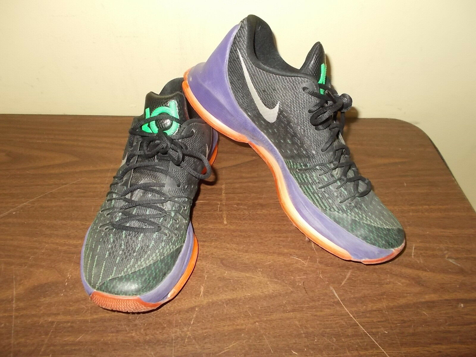 NIKE KD 8 Men's Basketball shoes 749375-013 , Size 9.5 -PRE-OWNED