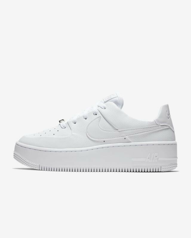 Nike Women's AF1 Sage Low Air Force 1 Triple White Size 12 AR5339-100