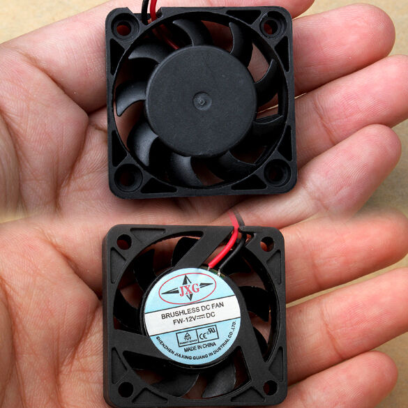 gi# DC 12V 2 Pin 40mm Brushless Computer Chassis Cooler Cooling IDE Fan PC Black