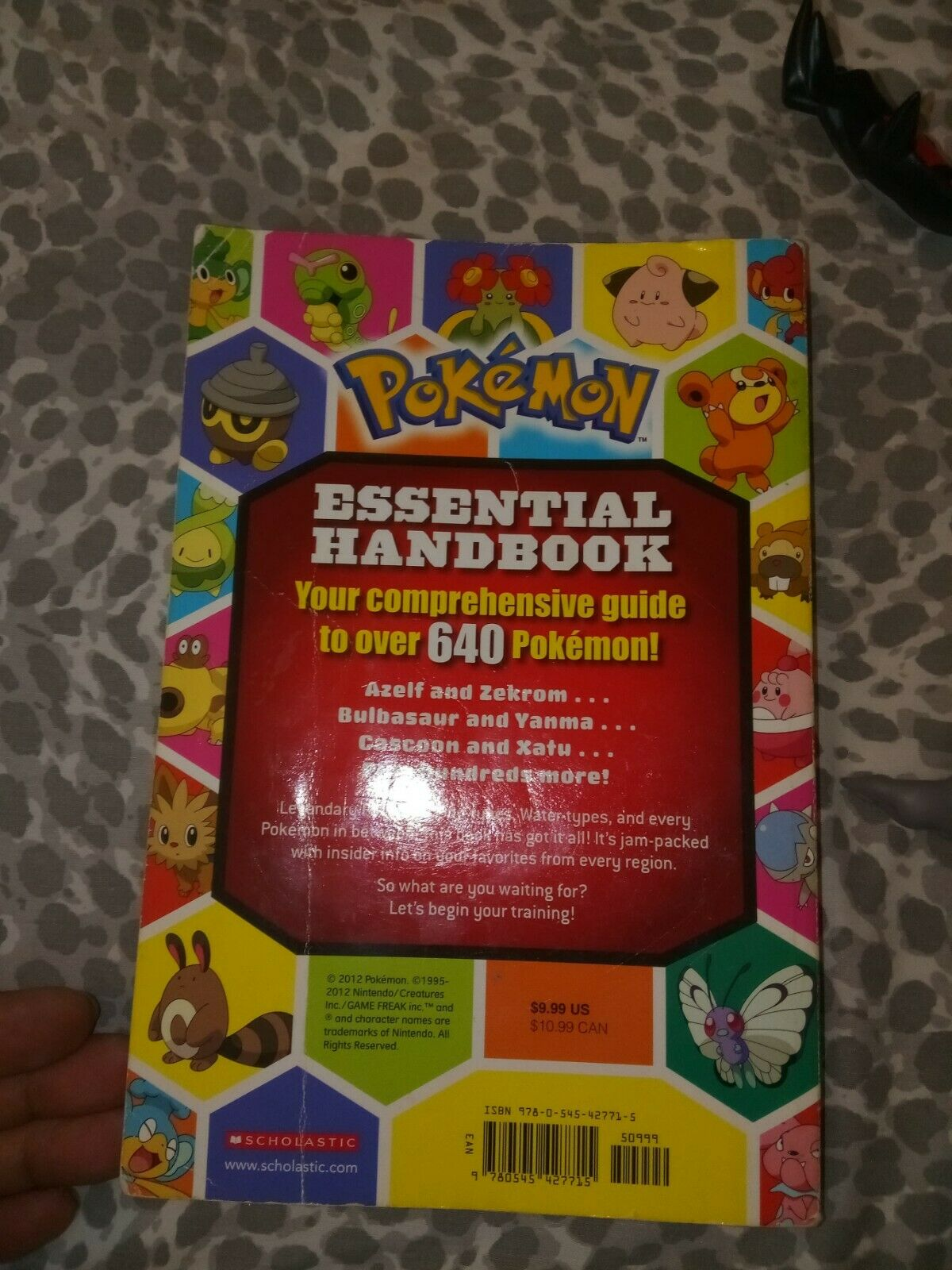 Pokemon book and 3 action figure figure figure lot 789abd