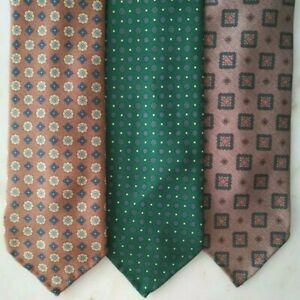Bespoke-Handmade-Made-To-Order-Macclesfield-Silk-Tie-British-Fabric-Threefold