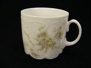Rosenthal-Monbijou-gruene-Ranke-Kaffeetasse