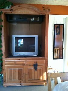 Image Is Loading Broyhill Solid Wood Entertainment Armoire