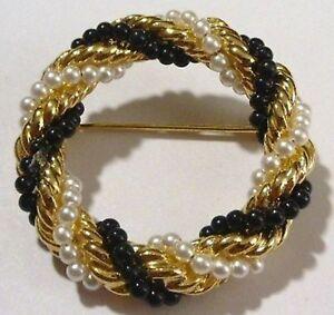 broche-bijou-vintage-couronne-petite-perle-blanche-noir-torsade-couleur-or-356