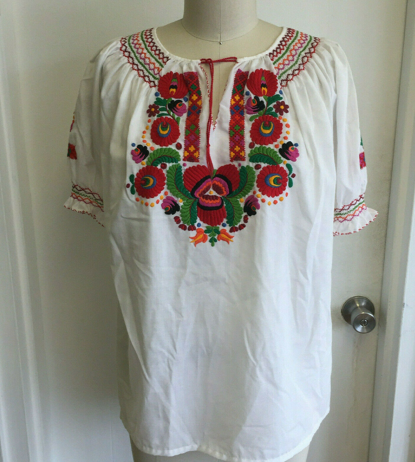 Vintage Hungarian Blouse Embroidered Peasant Top … - image 2