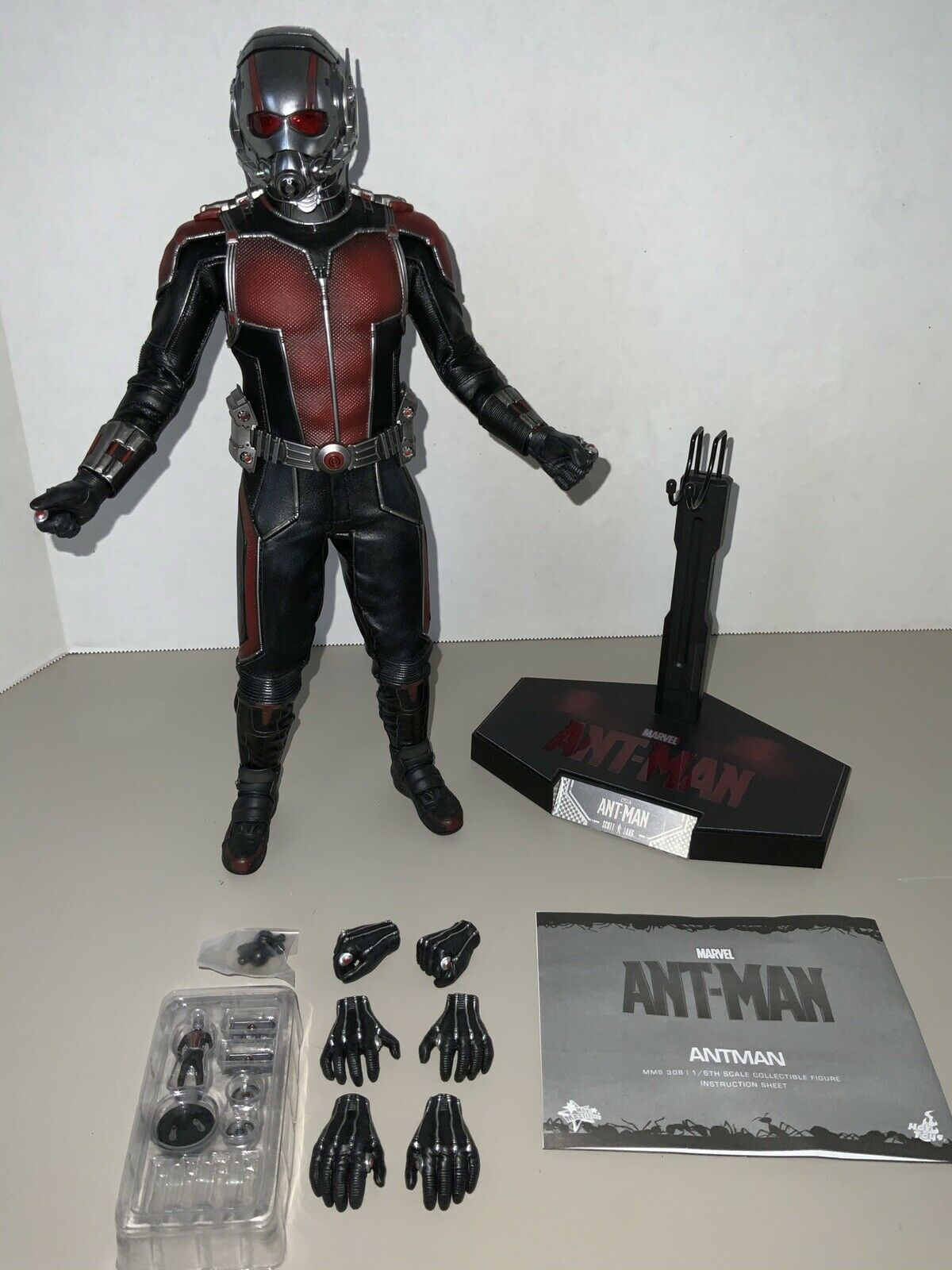 Hot Toys 1/6 MMS308 Antman LOOSE Ant Man Scott Lang Paul Rudd Avengers on eBay thumbnail