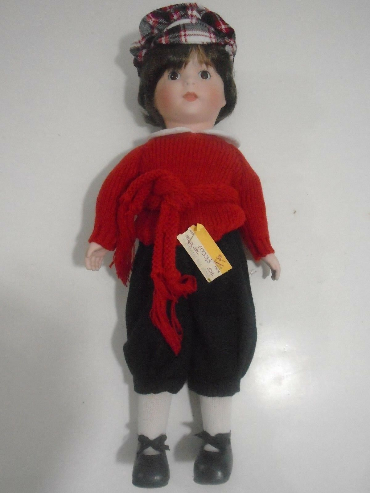 VINTAGE THE HEIRLOOM TREASURE PORCELAIN DOLL 16  DARK HAIR WITH HAT