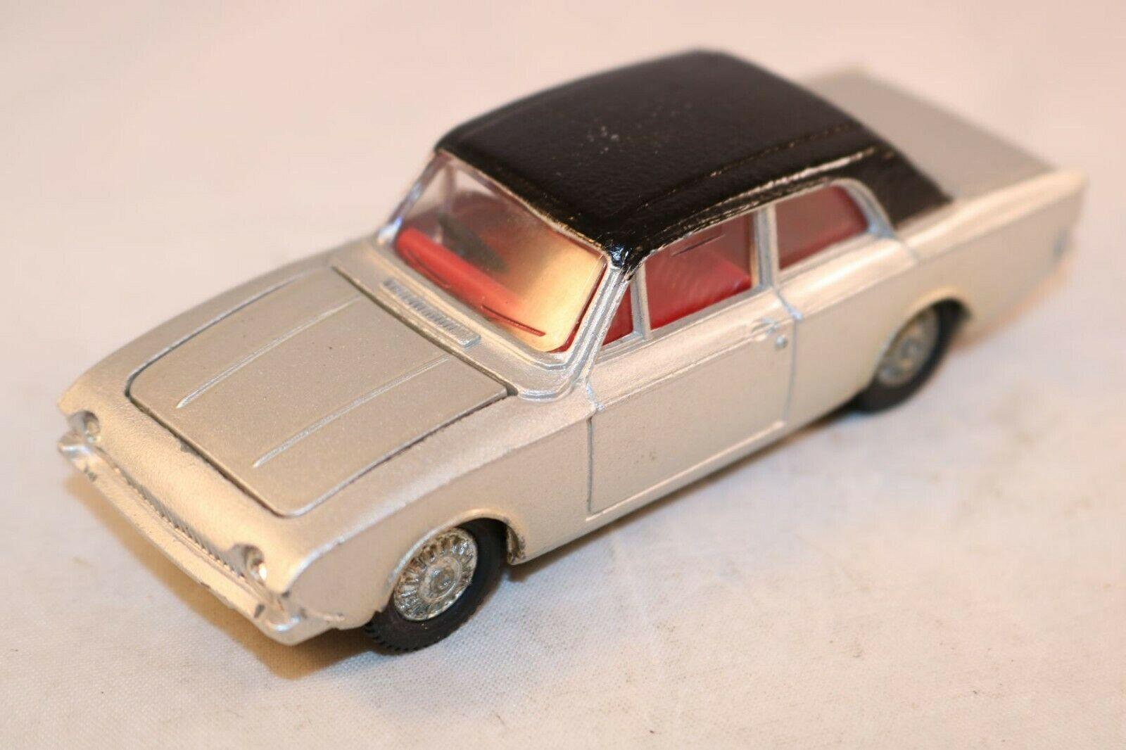 Dinky Toys 169 Ford Corsair grey very near mint all original condition