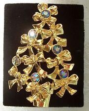 AVON GOLD-TONE METAL & AURORA BOREALIS RHINESTONE CHRISTMAS TREE PIN BROOCH MIB