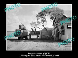 OLD-LARGE-HISTORIC-PHOTO-OF-LONGREACH-QLD-LOADING-WOOL-FROM-STRATHDARR-c1938