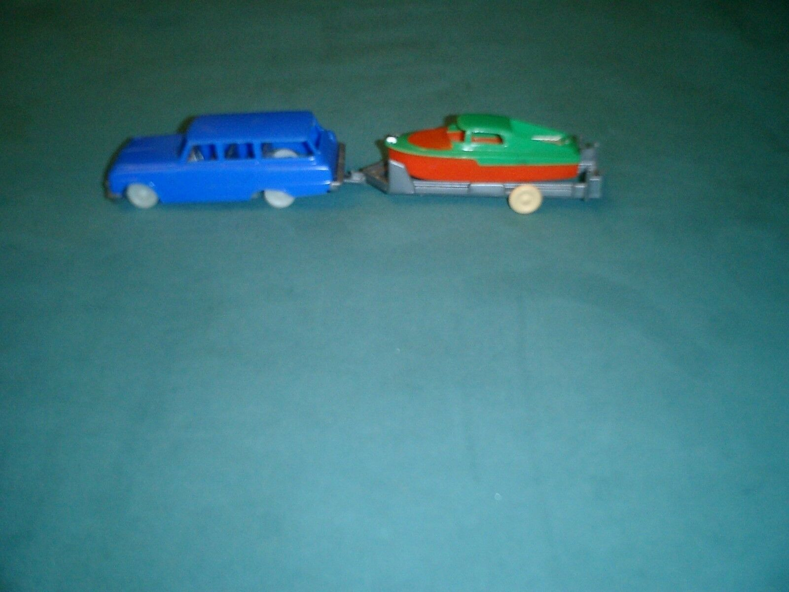 VINTAGE PLASTIC TOY STATION WAGON BOAT& TRAILER - 1960'S 1960'S 1960'S - MADE IN W. GERMANY 432989