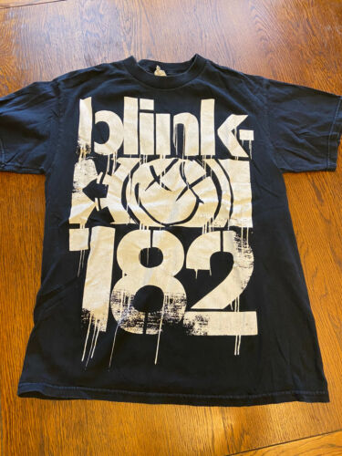 Blink-182 Graphic Shirt Sz M