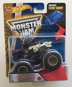 Pirate-039-s-Curse-Hot-Wheels-1-64-Monster-Jam-Truck-Ramp-Sealed-Brand-New